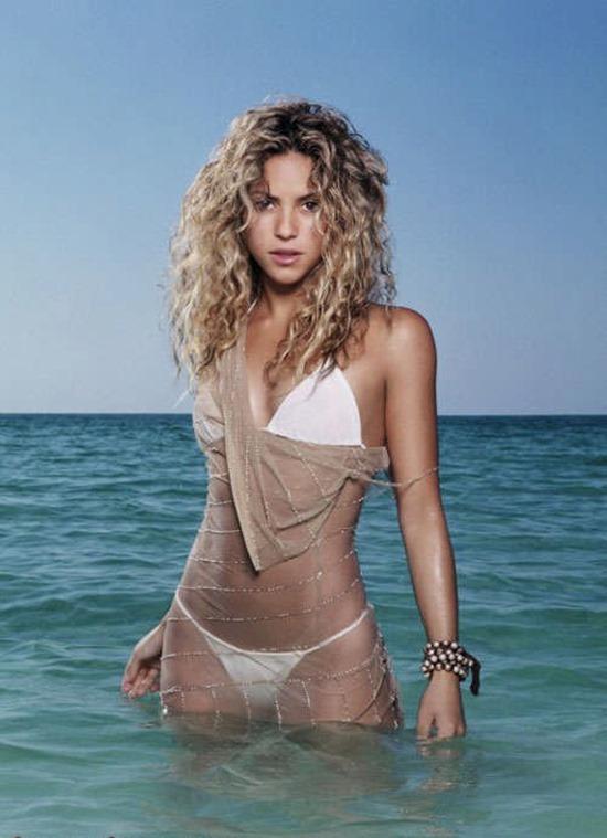 CelebMatrix Shakira